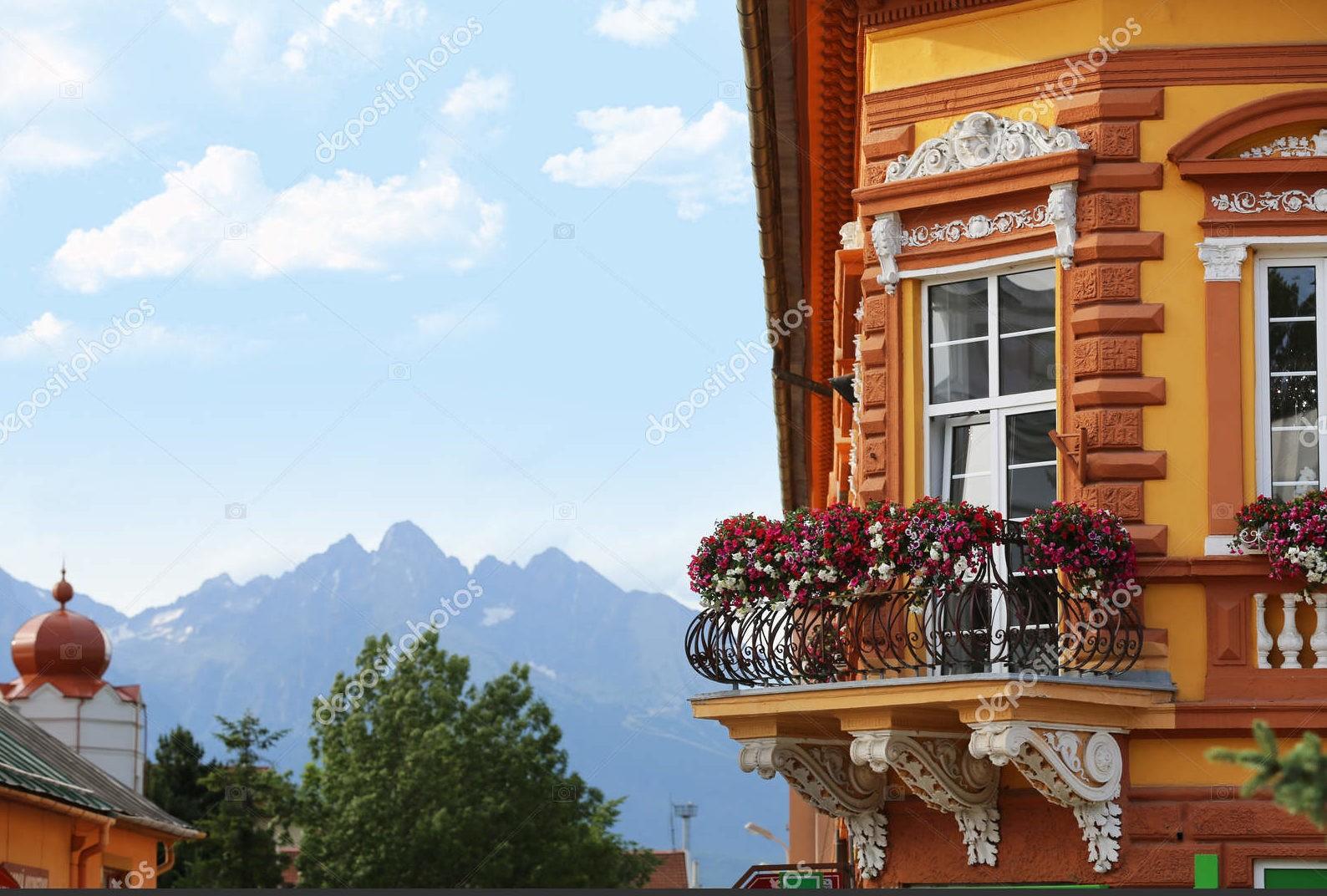 Балкон с цветами, Словакия