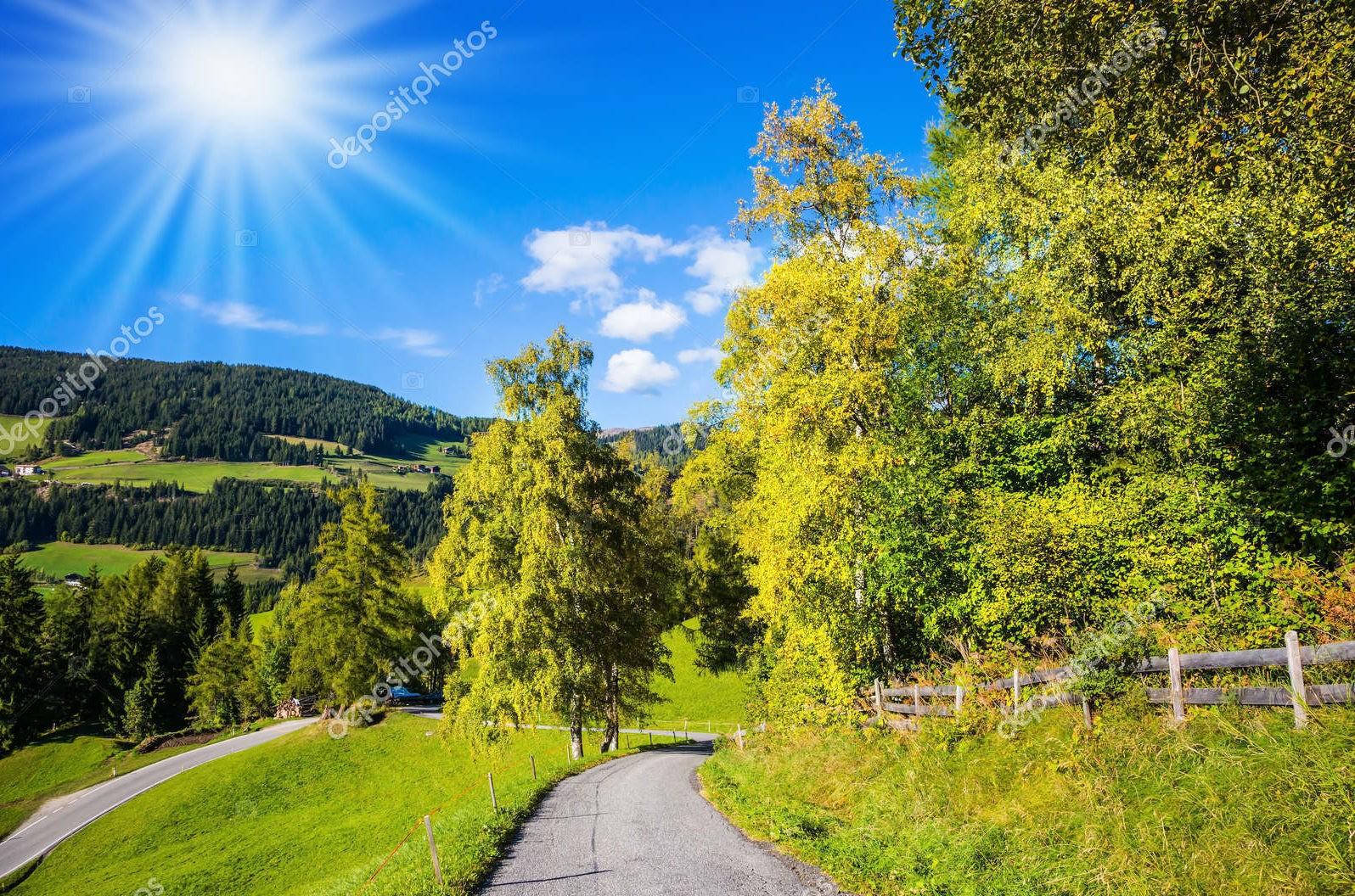 Альпийская долина, солнечный свет