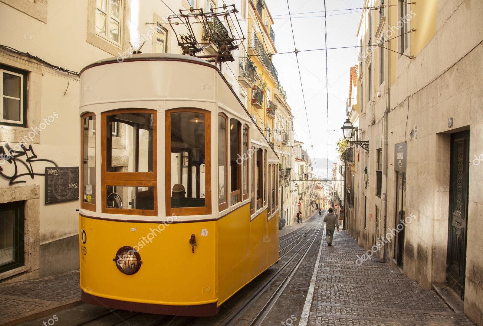 Лиссабон, желтый трамвай