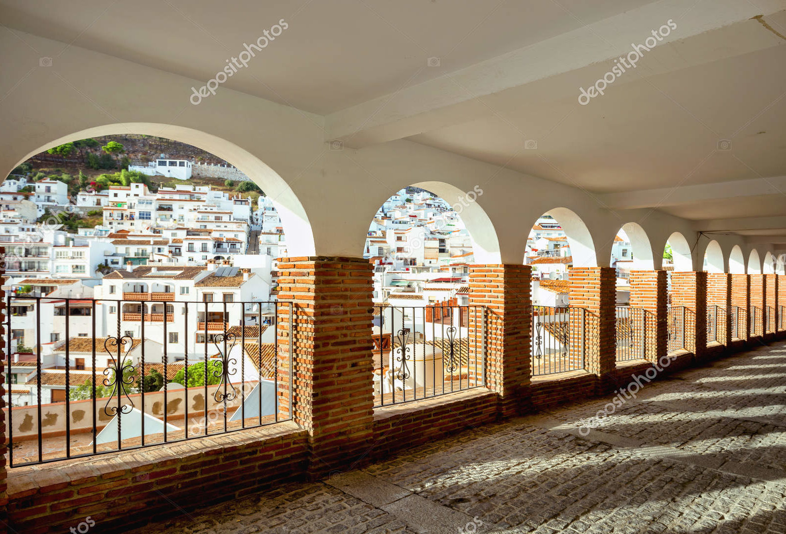 Галерея с арками. Андалусия.