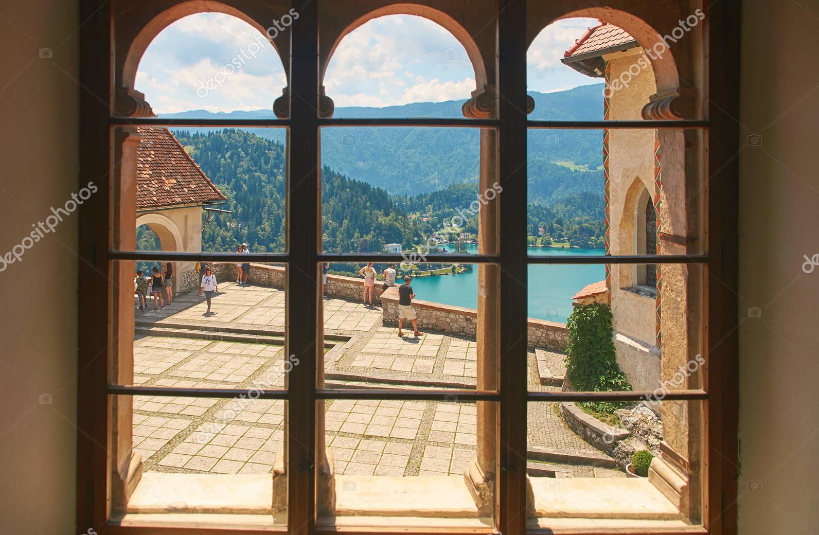 Вид двора, верхний замок, Словения