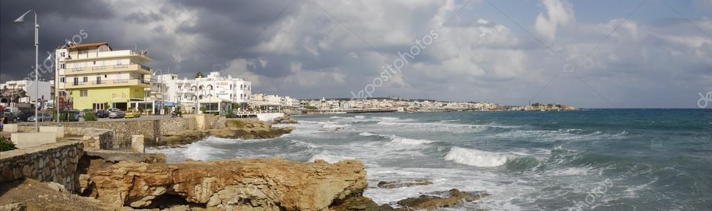Город на побережье, остров Крит